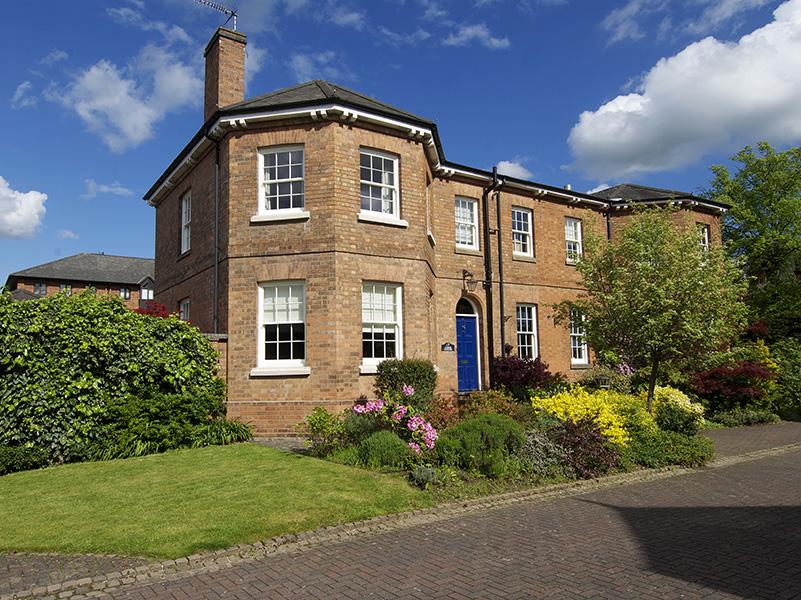 Knowles warwickshire sash window full house view